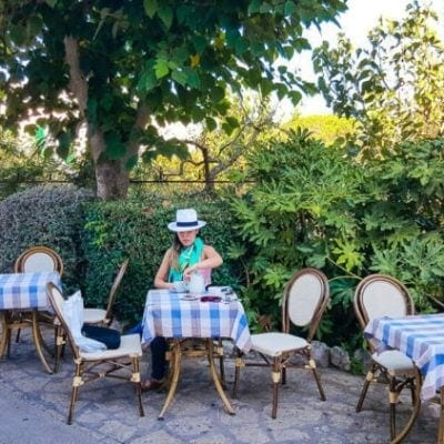 TABLE FOR ONE: 9 TIPS FOR EATING OUT ALONE FROM A SOLO TRAVELLER