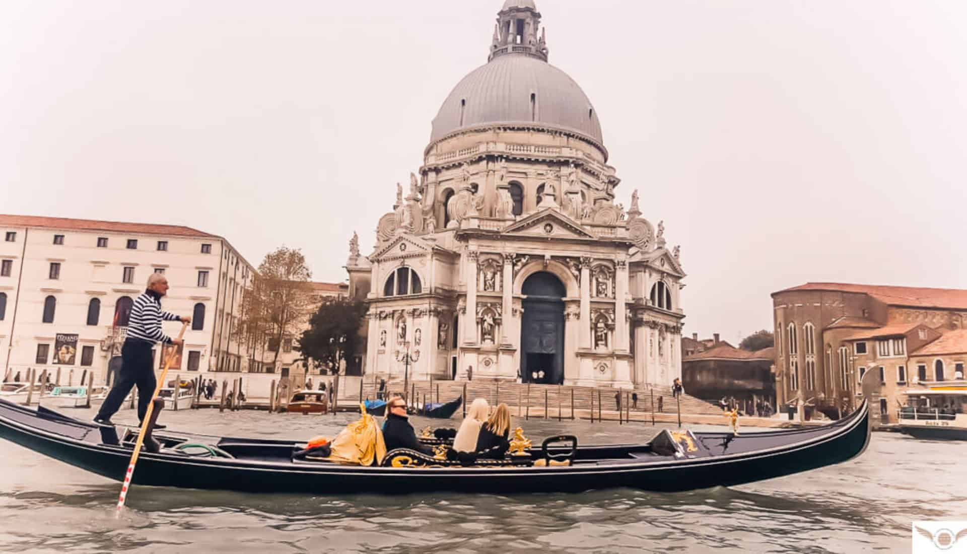 female-solo-travel-with-ivhq-italy-and-things-to-do-in-Venice-1920×1100-slider