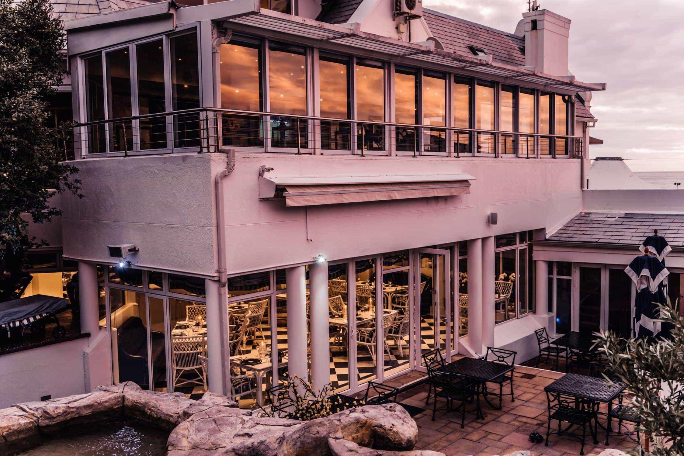 12 apostles hotel spa Café Grill restaurant