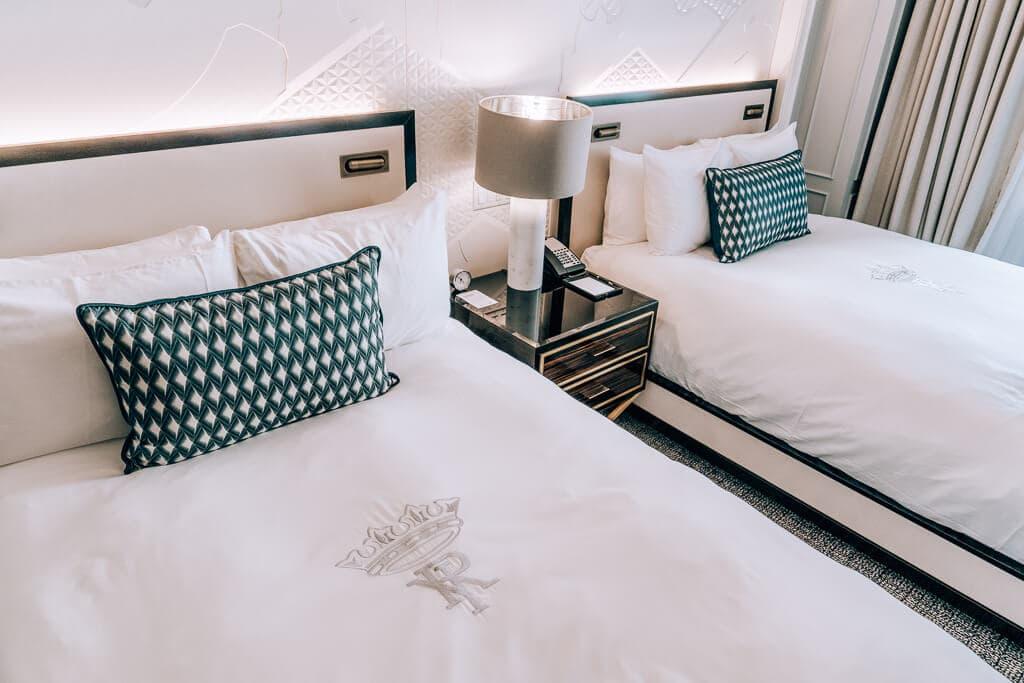 fairmont gold suites bedroom